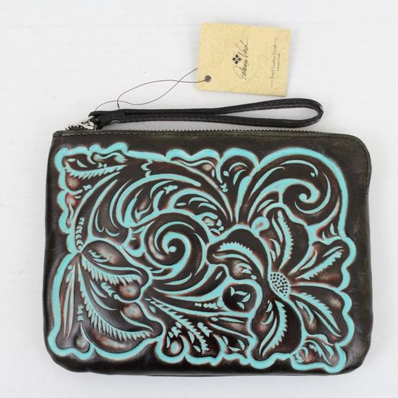Patricia Nash Handbags - Patricia Nash Tooled Leather Cassini Wristlet Bag